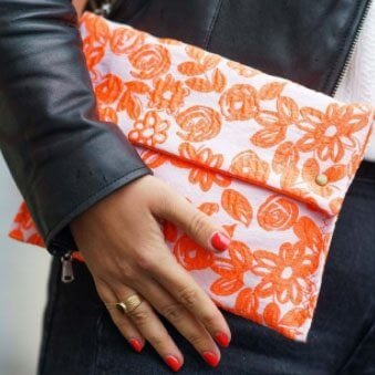 Pochette en tissus blanche et orange