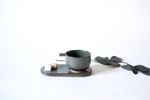 Ensemble tasse à expresso et soucoupe en céramique gris